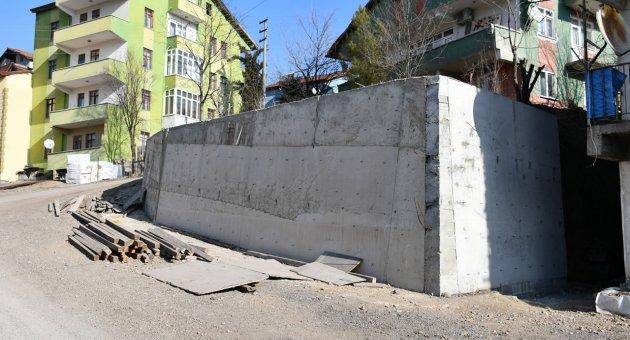 10 Yılda 4 Km İstinat Duvarı