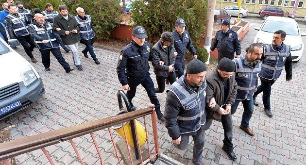 12 Zanlıdan 5' i Tutuklandı