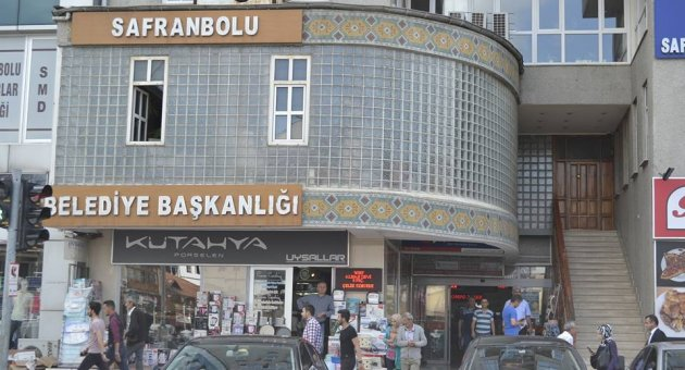 http://www.batikaradenizekspresgazetesi.com.tr/images/haberler/gozler-safranbolu-belediyesi-nde.jpg