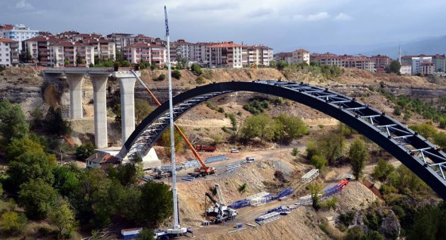 Kanyon Köprü Bitmek Üzere