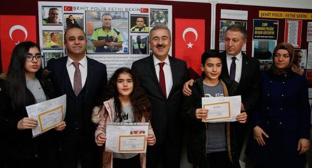 Şehit polis memuru Sekin'in çocukları karnelerini aldı