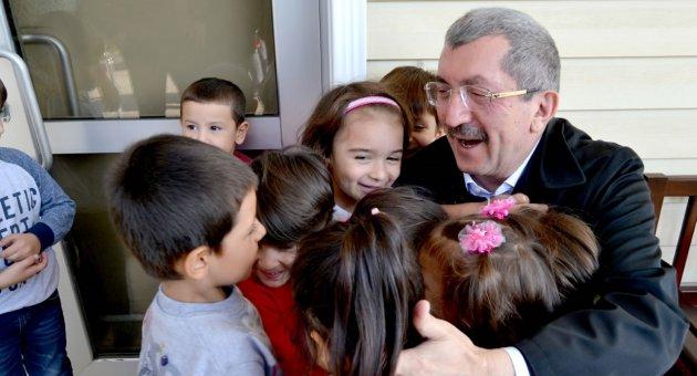 """""""Türkiye Büyük Millet Meclisi, ordular kurup yöneten kudretli ve kumandan bir Meclistir."""""""
