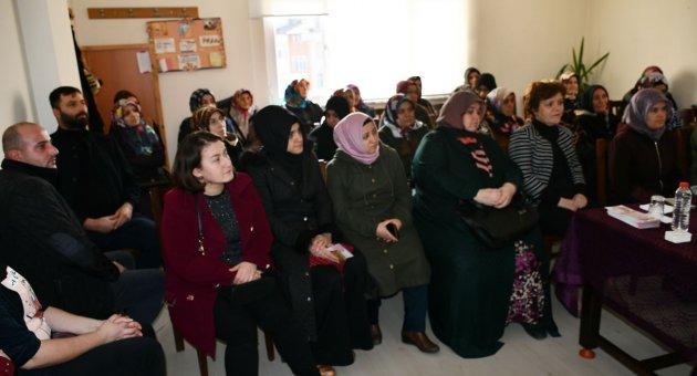 Veliler Belediye Tarafından Bilgilendiriliyor