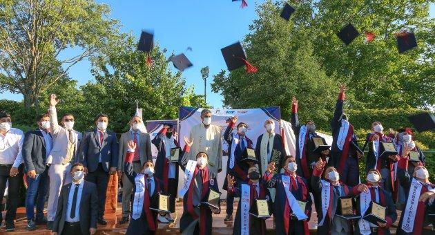 Yemenli heyetten Rektör Prof. Dr. Refik Polat'a ziyaret ve mezuniyet